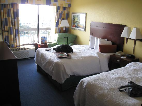 Hampton Inn Cocoa Beach/Cape Canaveral: 7th floor room with double beds