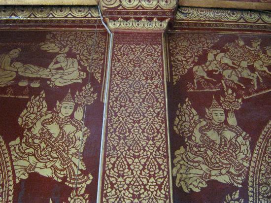 Wat Pha Jao Lung: Closeup of the intricate artwork