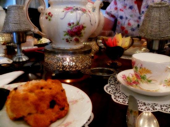 British Bell Tea Room: best scones!