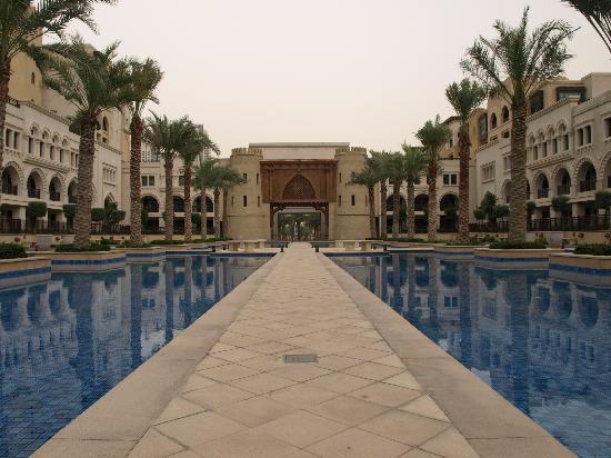 Manzil Downtown Dubai: The Palace Hotel