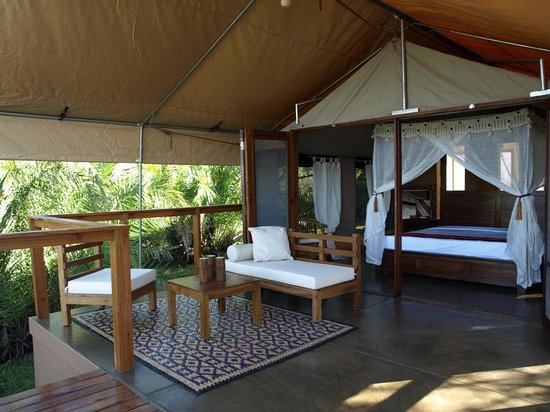 Chidenguele, Mozambique: Luxury Safari Tent