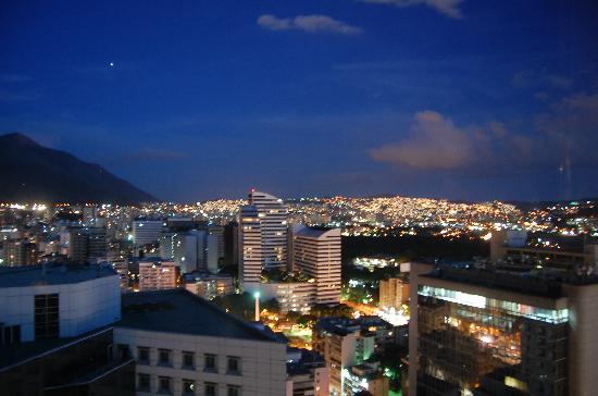 Renaissance Caracas La Castellana Hotel: View night