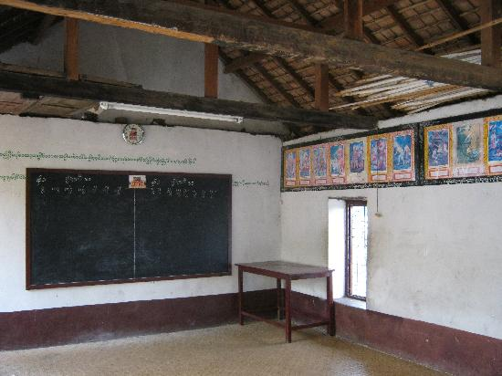 Wat Zom Kham: The outside classroom for the monks