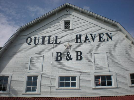 Quill Haven Country Inn: Barn