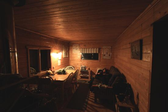 Muktuk B&B and Cabins: relaxing in the the living room