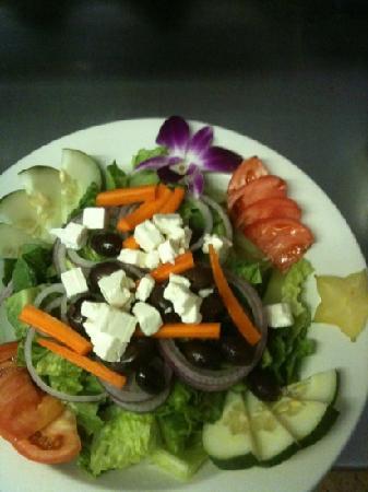 Village Gourmet: yummy and fresh Greek salad