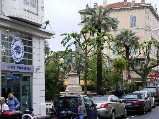 Rue d'Antibes: Ra1