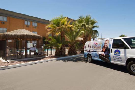 BEST WESTERN McCarran Inn: Best Western McCarran - Exterior of Hotel