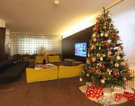 design hotel f6 xmas tree