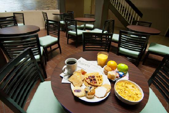 BEST WESTERN McCarran Inn: Best Western McCarran - Free Daily Breakfast