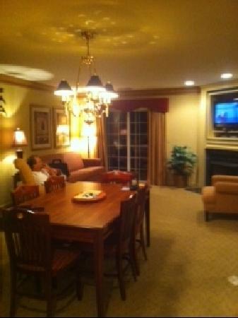 Williamsburg Plantation Resort: living area