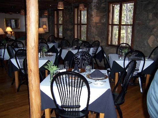 Old Stone Inn: Dining Room
