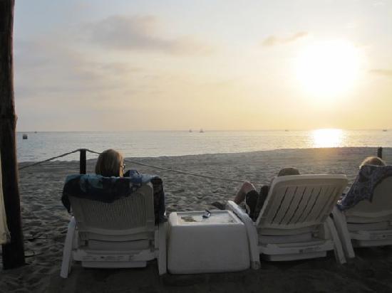 Hotel Buena Vista Beach Resort : coffee and sunrise