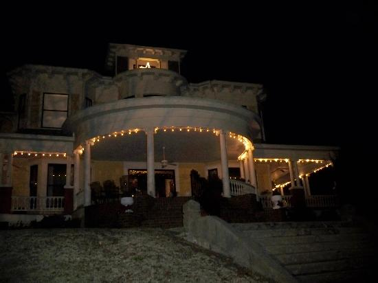 Edwardian Inn : Christmas Lights