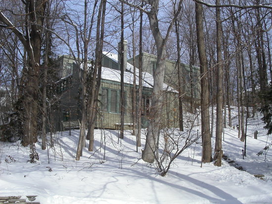 Marshall Woods Bed & Breakfast: winter Wonderland in Waterloo