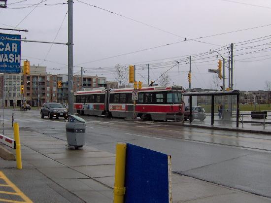 Days Inn - Toronto East Beaches: Public transport