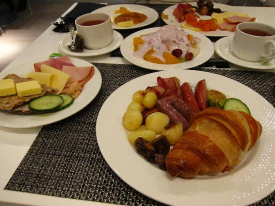 Radisson Blu Waterfront Hotel: Breakfast Preview