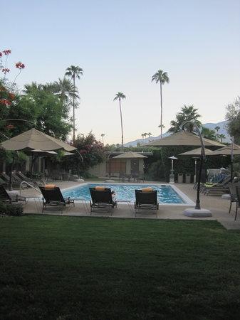 Desert Riviera Hotel: Pool