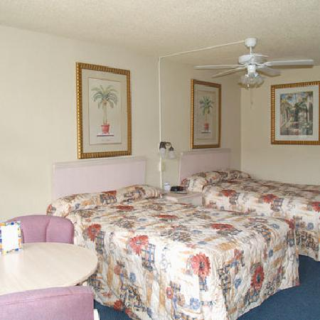 Sun City Center Inn: Guest room
