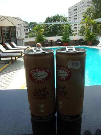 Metropole Hotel: Poolside. We bought the iced coffee from a store, but you may order from the waiter cafe suada.