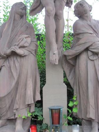 Martinskapelle: crusifixion group