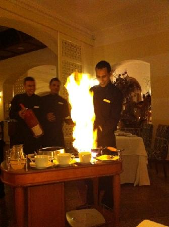 Domina Coral Bay Prestige Hotel : cooking my crepe suzette in Plaisirs