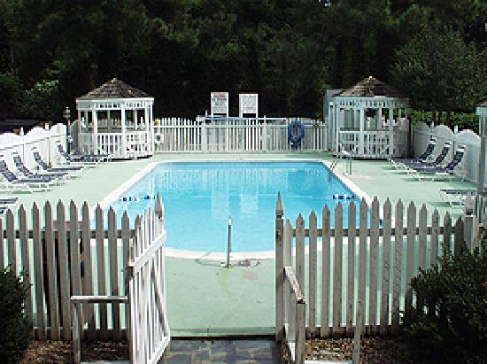 Country Hearth Inn: Pool