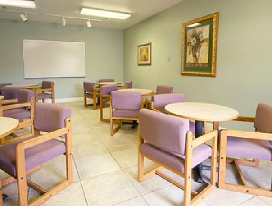 Super 8 Grants Pass: Meeting Room