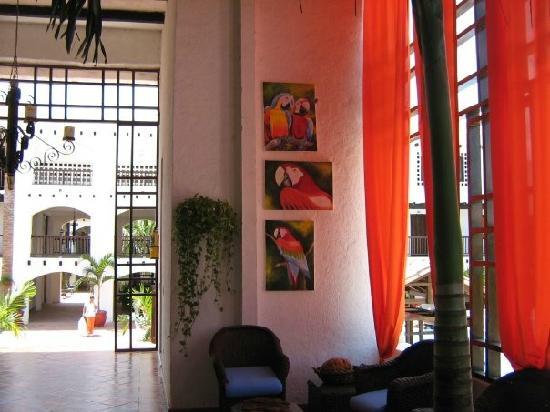 Sansiraka Hotel: guacamayas