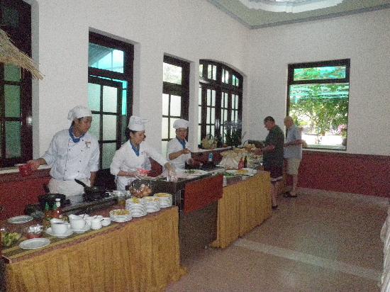 Thien Hai Son Resort: Frühstücksbuffet