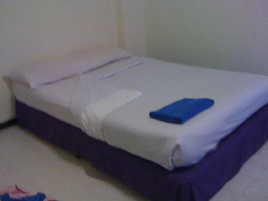 Sawasdee Sunshine Hotel: Zimmer