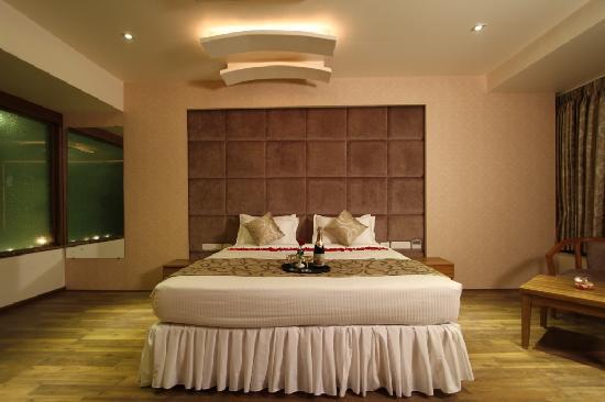 Nadiad, India: Bed room- Suite Room