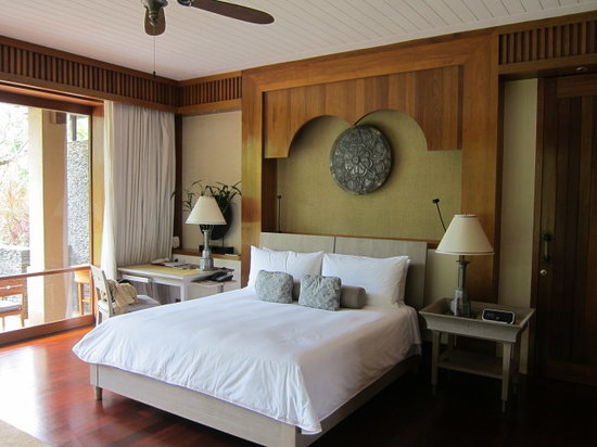 Four Seasons Resort Langkawi, Malaysia: The bed