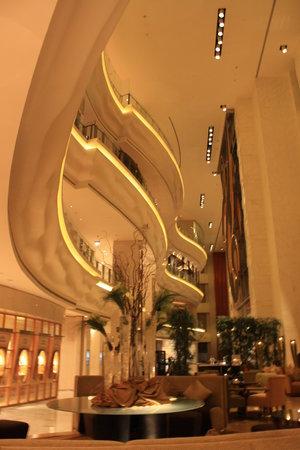 Shangri-La Hotel, Dubai: The Lobby