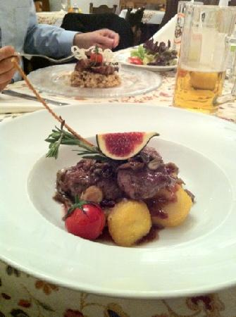 Grasl & Salomon: toll angerichtet, toller Geschmack, mittelgroße Portion