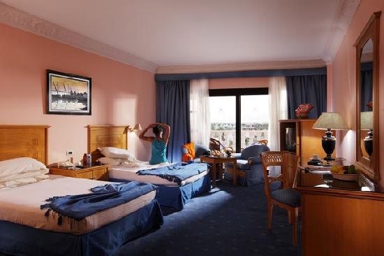 Golden 5 Almas Resort: room