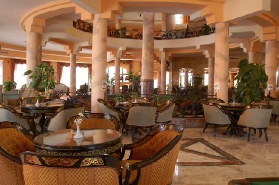 Golden 5 Almas Resort: lobby