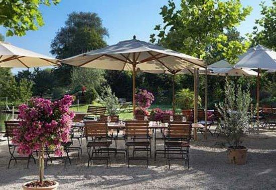 Romantik Hotel de l'Ours: Le Jardin