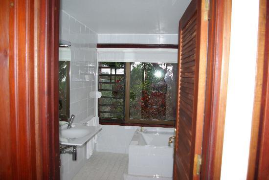 Le Jardin Malanga: Salle de bain