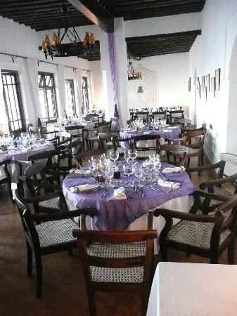 Peponi Hotel: Dining room set for wedding.