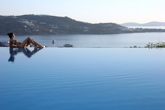 Vencia Hotel: Infinity pool