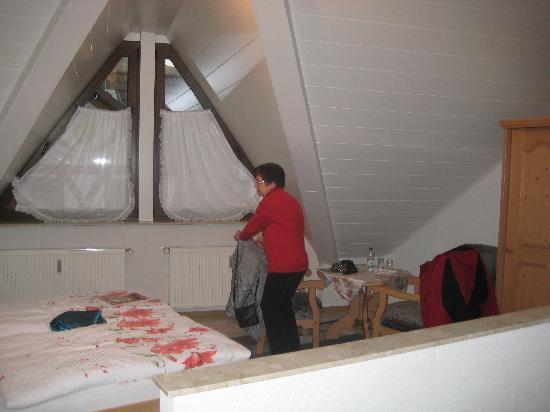 Hotel Eckschanke : Fenster zur nebenstr.