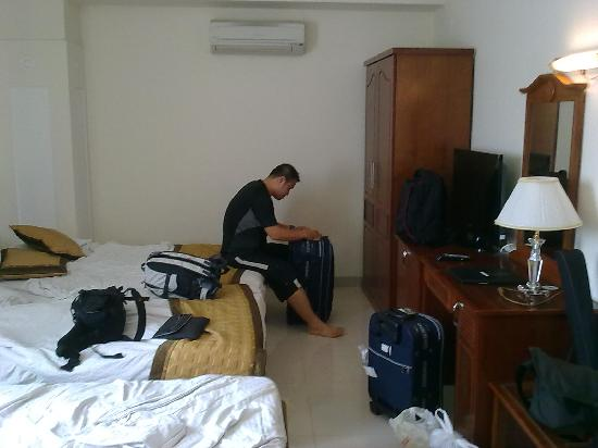 Le Duy Hotel: Room