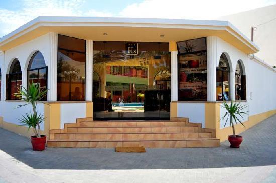 Huacachina, Pérou : entrada principal del hostal