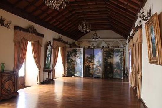 Parador Santa Maria la Real: salone