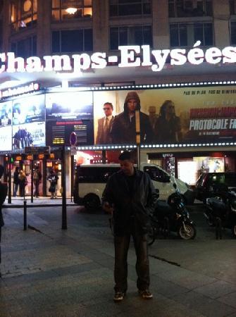 Champs Elysees Plaza Hotel: Karim Ouyahia champs-Élysée 2011