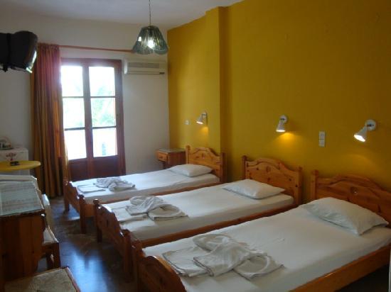 Vassiliki Rooms: triple room