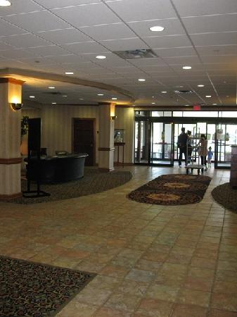 Radisson Hotel Rochester Airport: Lobby