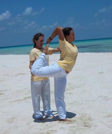 Vastu School of Yoga: Beach Yoga