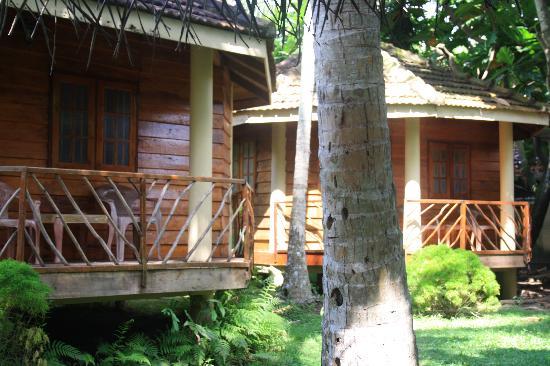 Shangri La Guest House: Bungalow en bois